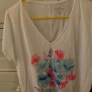 Never worn Lilly collie tee